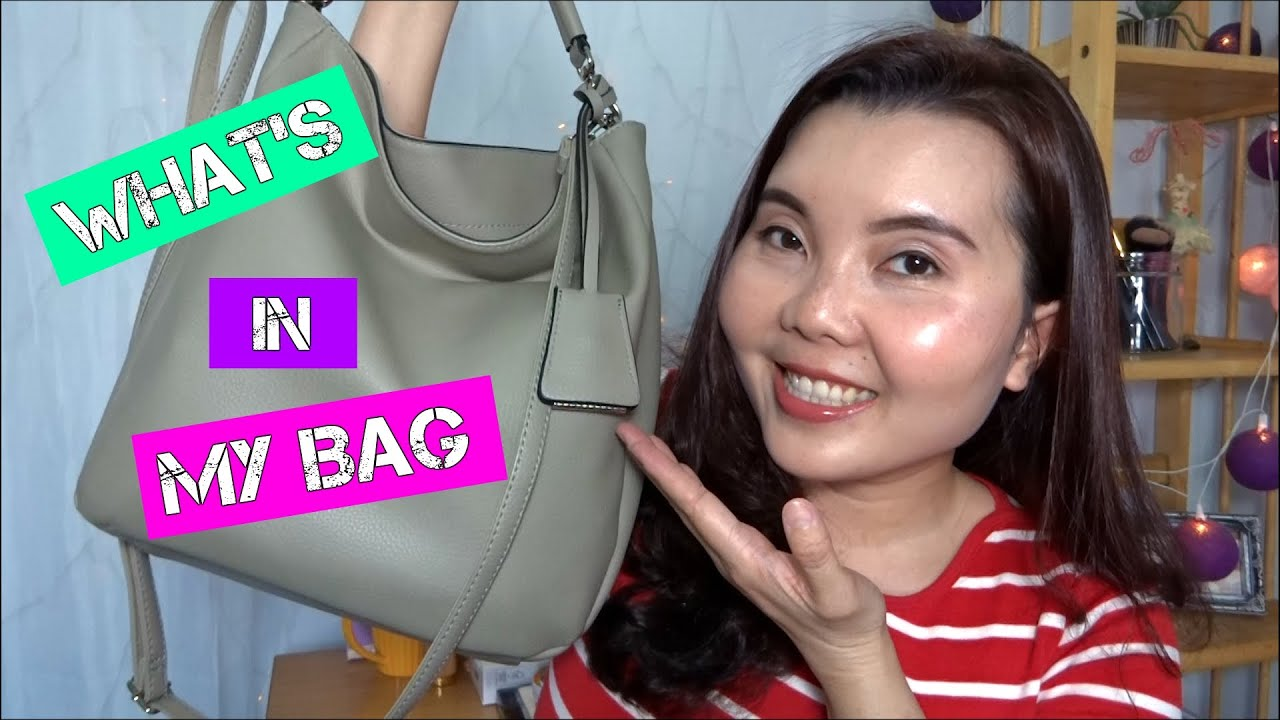 WHAT'S IN MY BAG | Trong Túi Xách Mình Có Gì?!